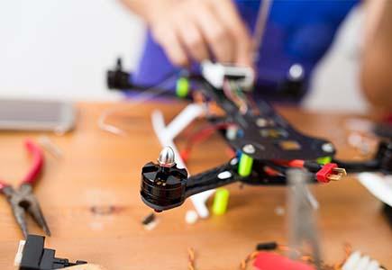 Kurs programiranja drona za decu